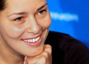 Ana-Ivanovic-volvio-a-sonreir-ante-los-medios-de-comunicacion