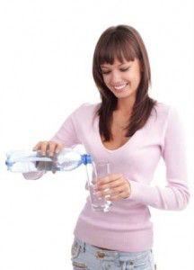 mujer-beber-agua