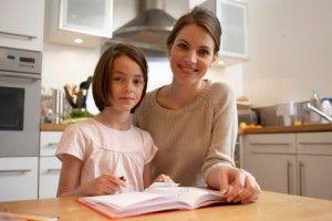 madre_hija_estudiar