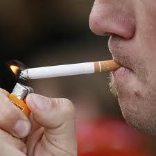 Dejar-de-fumar-puede-reducir-a-la-mitad-los-riesgos-de-problemas-orales