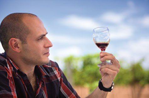 Beber-moderadamente-podria-ayudar-a-los-hombres-tras-un-ataque-al-corazon