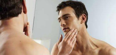 Lociones-caseras-para-despues-del-afeitado