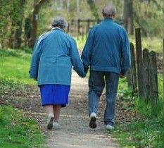 Caminar ayuda a adultos mayores a reducir el riesgo diabetes