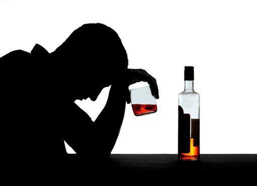 Ya está disponible el primer fármaco que ayuda a reducir el consumo de alcohol